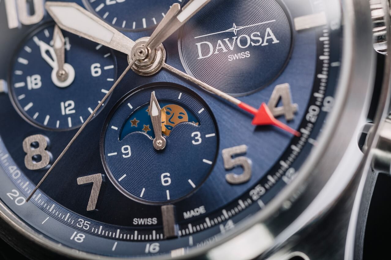 DAVOSA Newton Pilot Moonphase Chronograph Limited Edition