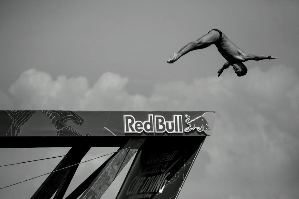 Cliff Diving. Współpraca Red Bull i Maurice Lacroix
