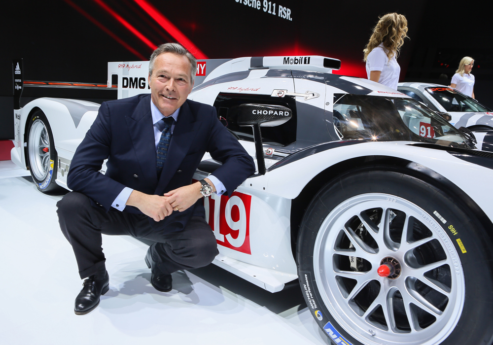 fot. Chopard i Porsche Karl-Friedrich Scheufele in front of the Porsche 919 Hybrid