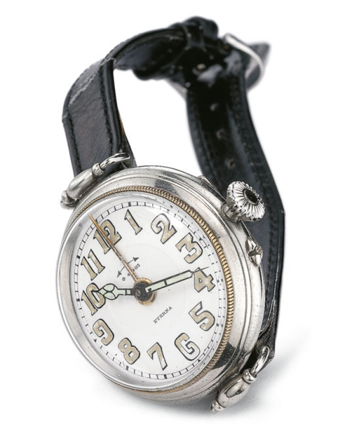 1931 - The alarm wristwatch with a 8-day power capacity